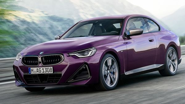 The BMW M240i xDrive Coupe gets a 3.0-litre inline 6-cylinder BMW TwinPower turbo engine that can produce 382 hp of power and 500 Nm of peak torque. It can clock zero to 100 kmph sprint in just 4.1 seconds.