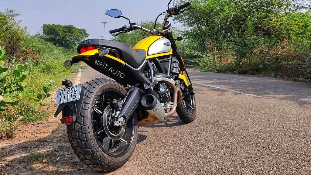 The Scrambler Icon completely flattens all the undulations on the regular roads and there is a cushion effect from the suspension that keeps the ride comfortable