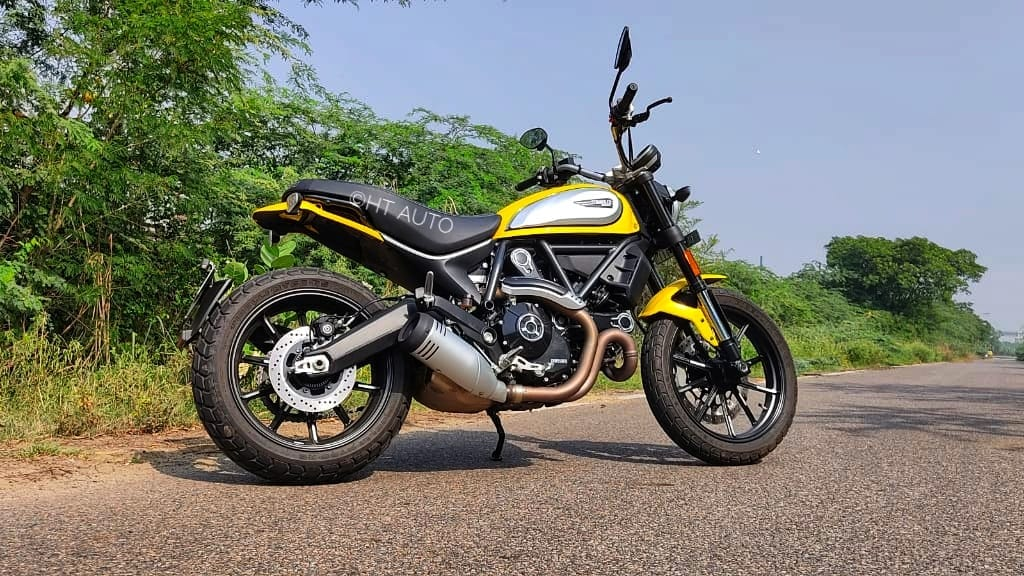 Scrambler Icon comes out as one of the most accessible motorcycles in the company's lineup.