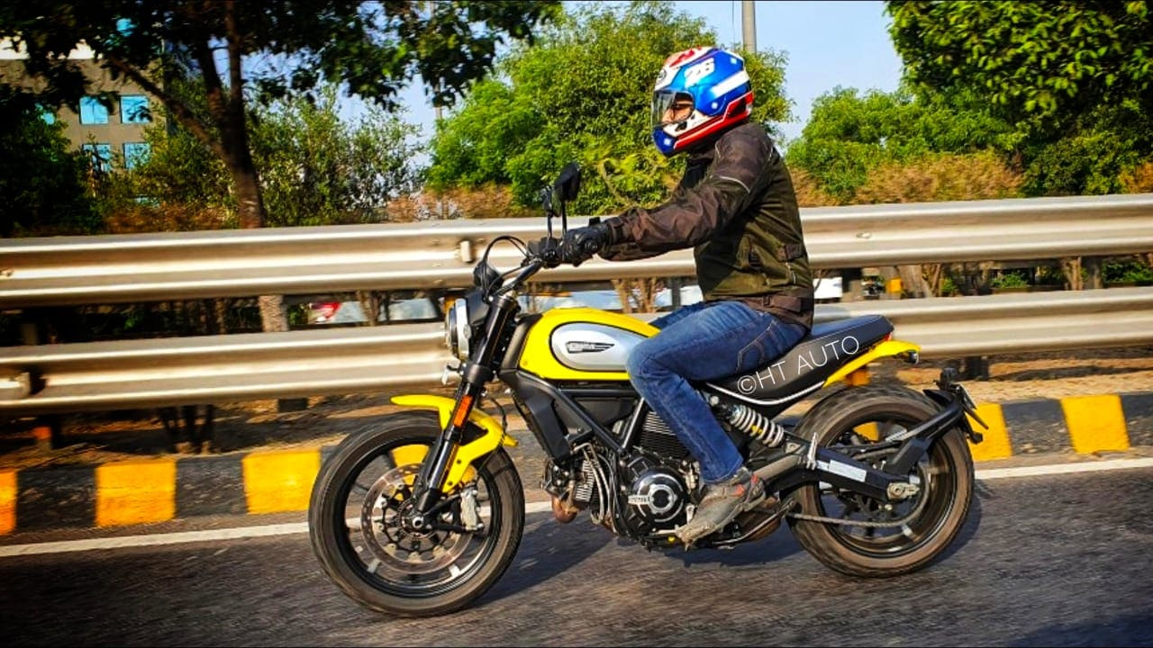 Despite the nature of its budget, the Scrambler Icon still gets some nice riding aids, including a cornering ABS.