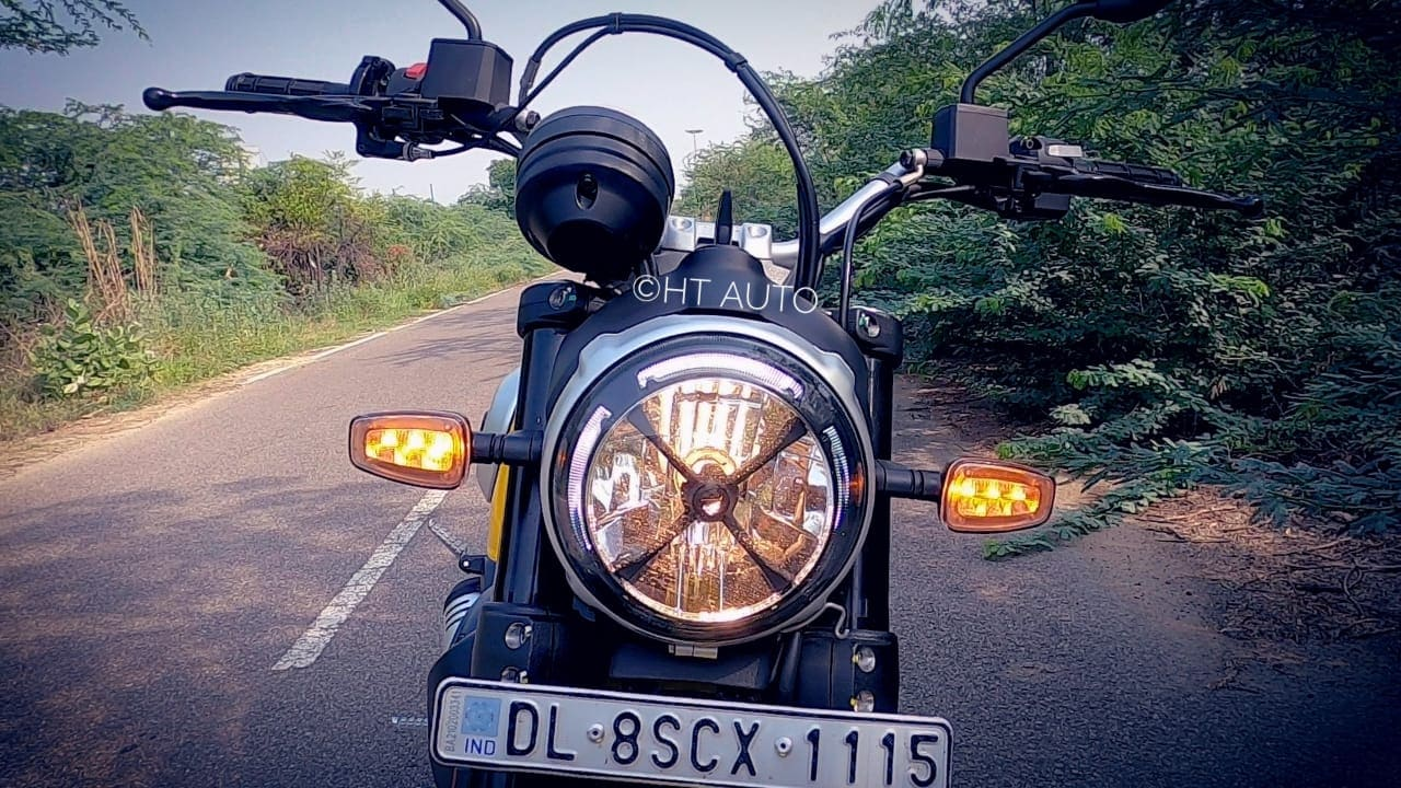 2021 Scrambler Icon gets a new X-shaped panel on the front headlamp.