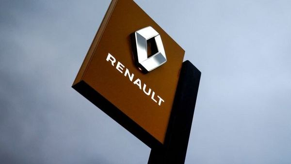 FILE PHOTO: The logo of carmaker Renault is pictured at a dealership in Vertou, near Nantes, France. (REUTERS)