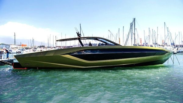 This 4,000 hp Lamborghini runs on water, throwing in an inch of opulence