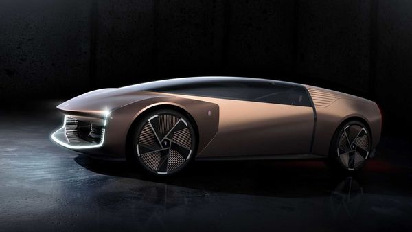 Pinindarin, the owner of Mahindra, demonstrates a radical concept with a single front seat