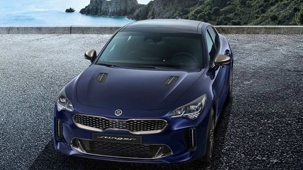 Kia Stinger has received a subtle facelift last year.