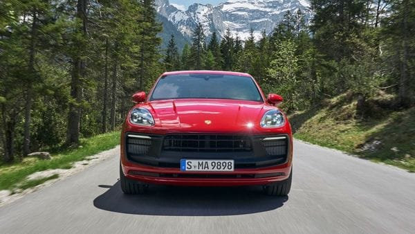 In the new Macan GTS, the centre of the nose section as well as other elements is finished in black. The LED headlights with the Porsche Dynamic Light System (PDLS) and the Sport Design exterior mirrors will be a standard for all three trims. (Porsche)