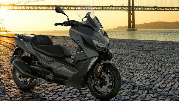 When launched, expect the new 2021 BMW C 400 GT to be priced around ₹ 6 lakh (Ex-showroom).