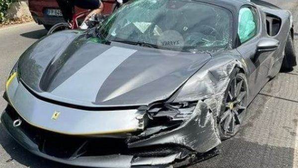 The damaged Ferrari SF90 that was fitted with Stradale Assetto Fiorano package. (Image courtesy: varryx_/Instagram)