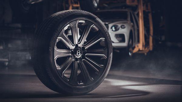 Bentley's new 22-inch carbon wheel. (Bentley)