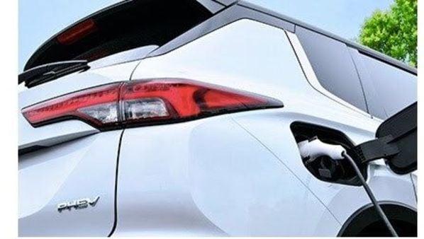 The new-generation Mitsubishi Outlander plug-in hybrid SUV. (Mitsubishi)