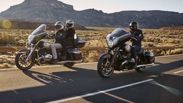 Both the new BMW cruisers differ from one another in terms of different luggage and front fairing.