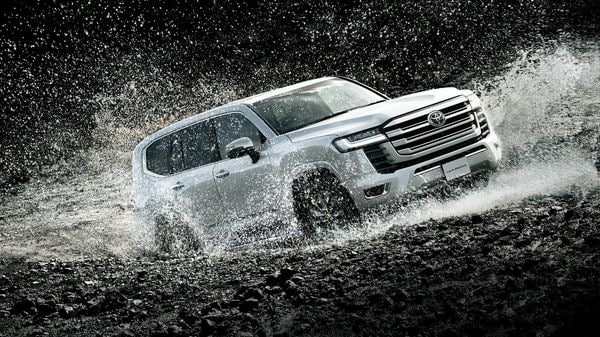 The new Land Cruiser is based on Toyota's GA-F Platform. It also adopts an updated version of the traditional ladder frame. The automaker says that the SUV features improved collision safety performance, quietness, and ride quality. (Toyota)