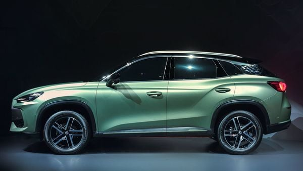 The MG One SUV comes with a coupe-ish roof profile. Not much has been revealed about its technical specs yet. (MG Motor)