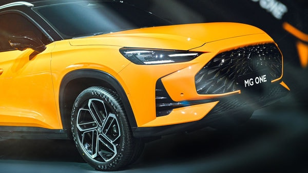 The SUV comes with newly-developed 3D grille at the front. There are strong character lines all around the vehicle. (MG Motor)
