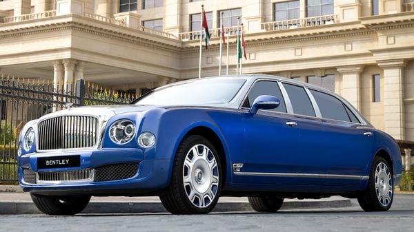 Bentley Mulsanne Grand Limousine by Mulliner (Bentley)