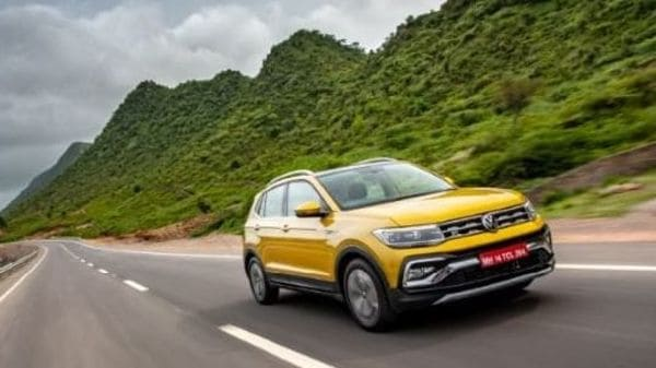 Volkswagen Taigun is getting ready to be launched this month. It will compete with models such as Hyundai Creta, Kia Seltos, Tata Harrier, MG Hector, among others.