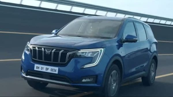 Mahindra will offer XUV700 with petrol and diesel engine options, and is backing class-leading performance figures. The top-of-the-line diesel engine will offer 420 Nm of torque and belt out 185 hp. The vehicle claims to hit 60 kmph from zero in under five seconds and there are four drive modes to choose from as well.