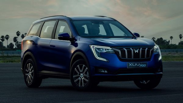 Mahindra XUV700 is the first of several SUVs from the company to get its brand new logo. While certain elements on the vehicle look similar to the erstwhile XUV500, the XUV700 does have a whole lot of unique visual identity thanks to the grille at front, the C-shaped DRLs, the fog light placement, character lines on the side, and more.