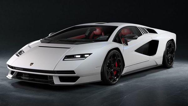 The all-new Lamborghini Countach LPI 800-4 comes reviving the iconic bacge. (Lamborghini)