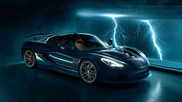 Rimac Nevara has broken its own quarter mile record to set a new one.