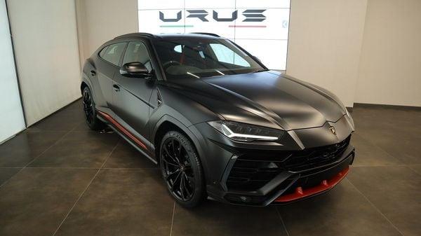 Lamborghini launches Urus Graphite Capsule edition