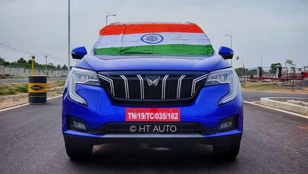 Mahindra XUV700 showcases how far Indian automakers have come in terms of offering well-designed vehicles that are formidably stylish to look at and yet offer a premium cabin and a decent drive dynamic. (HT Auto/Sabyasachi Dasgupta)