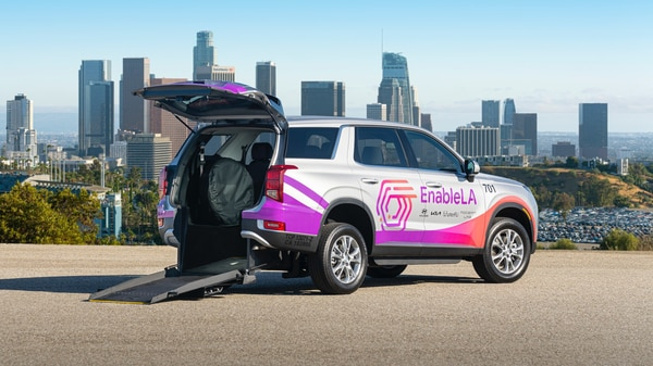 Hyundai Motor and Kia have introduced modified Palisade and Telluride SUVs to allow wheelchair access for people in Los Angeles, US.