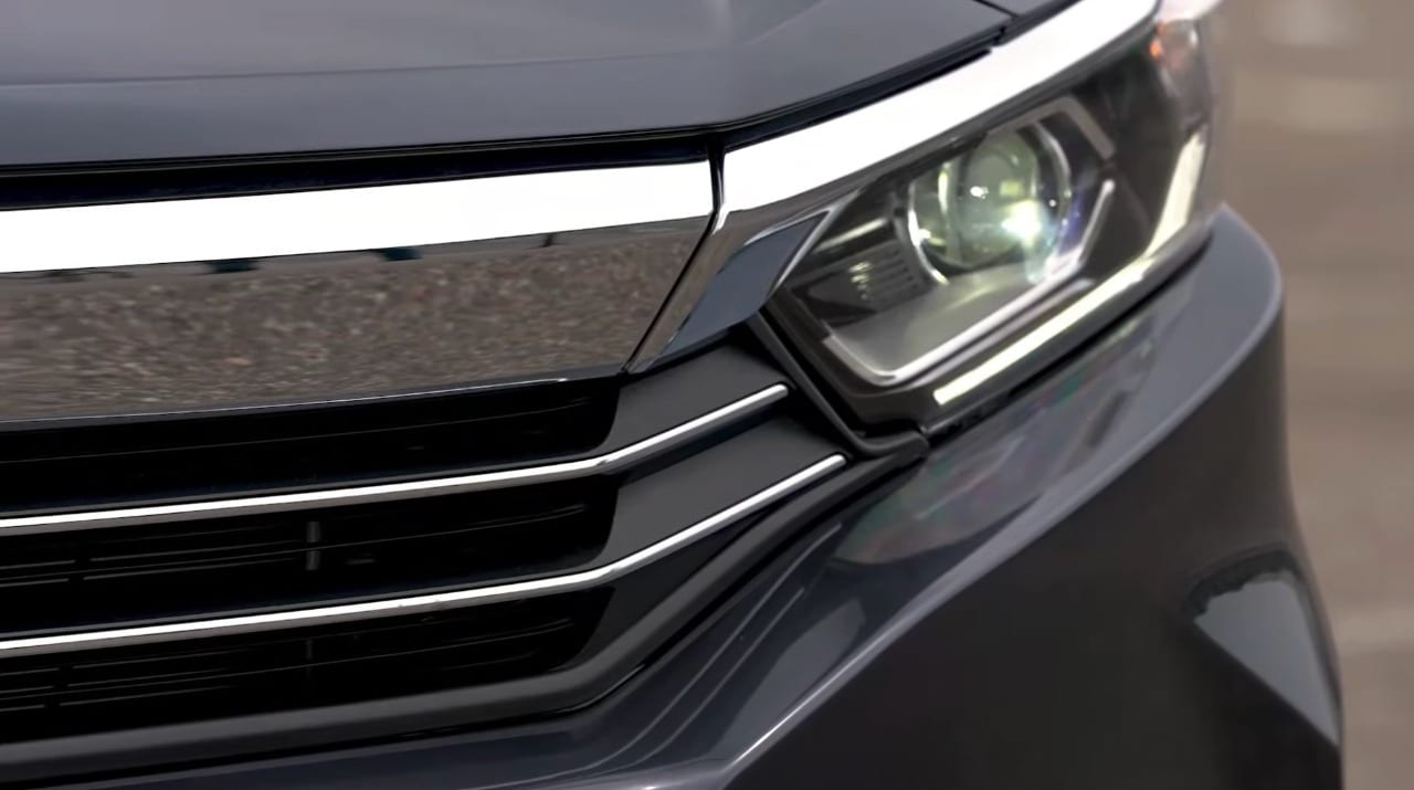 The new generation Amaze sub-compact sedan comes with advanced LED projector headlamps with integrated LED daytime running lights.