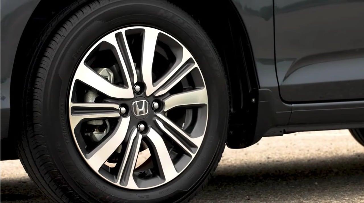Updated Honda Amaze also gets new set of 15-inch diamond-cut alloy wheels.