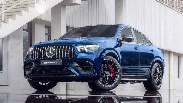 The AMG GLE 63 Coupe is powered by a twin-turbo 4.0-liter V8 engine that offers 612 hp and a mammoth 850 Nm of torque. The engine is fitted with an integrated EQ Boost starter-alternator and this helps the vehicle produce an additional 22 hp and 250 Nm of torque.