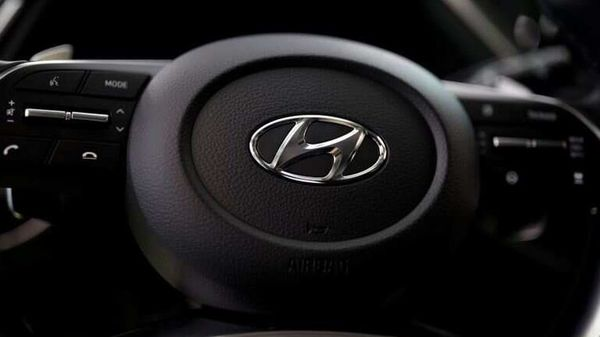 Hyundai Motor and Apple may sign a partnership deal on autonomous electric cars. (File Photo) (REUTERS)