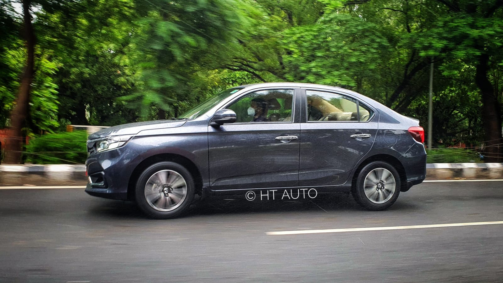 Honda Amaze was given a generation change back in 2018 and now a new mild makeover has been introduced as a mid-cycle update. (HT Auto/Sabyasachi Dasgupta)