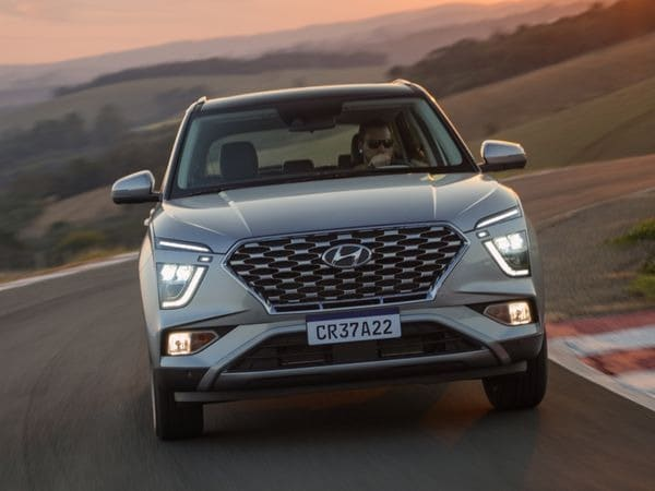 2022 Hyundai Creta has been officially launched in the Brazilian market and is once again promising to lead the way in the SUV battles. It gets numerous updates to its exterior styling as well as some very crucial technical additions.