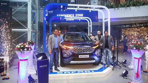 Tata Safari SUV has currently been put on display in Nepal and is being made available for test drives through the dealer network of Sipradi Trading.