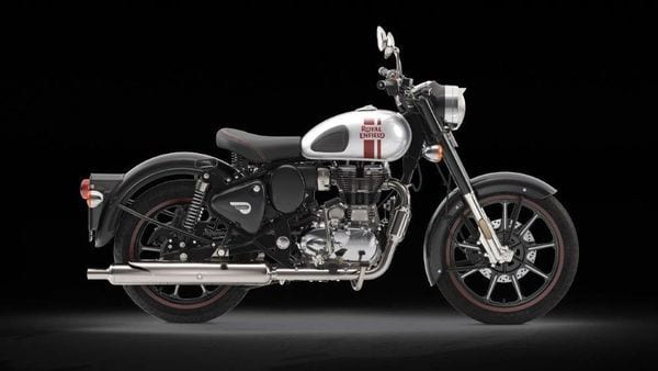 Current Royal Enfield Classic 350 in Metallo Silver colour option.
