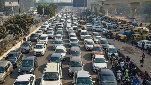 Vehicles stuck in a traffic jam. (File photo used for representational purpose only) (HT_PRINT)