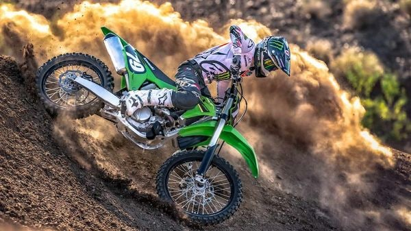 While the new KX250 has been priced at <span class='webrupee'>₹</span>7.99 lakh, the bigger KX450 has been priced at <span class='webrupee'>₹</span>8.59 lakh (both ex-showroom, India).
