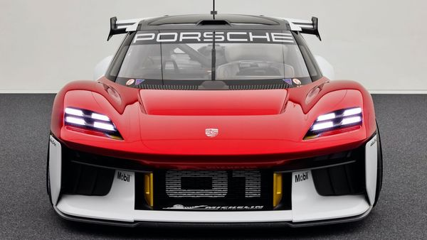 This all-electric competition car from Porsche will feature two newly developed electric motors that will give the EV a power output of 1072 hp in its so-called qualifying mode. A battery capacity of around 80 kWh and a new recuperation system will enable the concept EV for sprint racing without any loss of output.