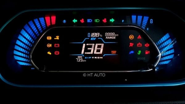 The all-digital driver display inside will give the driver EV drive-related information like range left in percentage and kms, status of brake recuperation, drive trait - eco or thunderbolt, and more. (HT Auto/Sabyasachi Dasgupta)