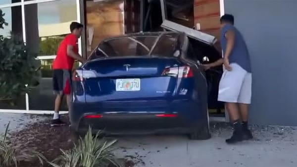 The extent of the damage of the Tesla Model Y is not known. (Youtube/TRW Clips)