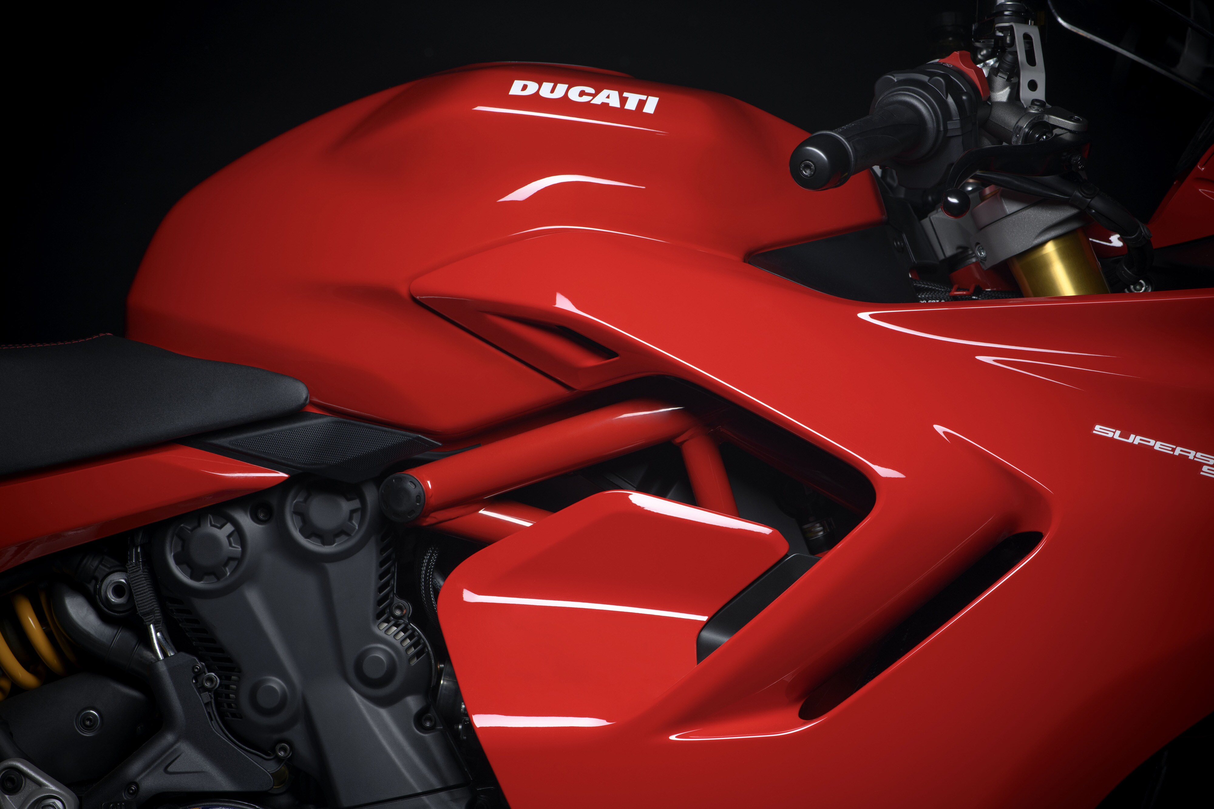 With the latest update, the 2021 Ducati SuperSport 950 has gained a new Euro5/BS 6-compliant engine, redesigned exterior looks, and new features.
