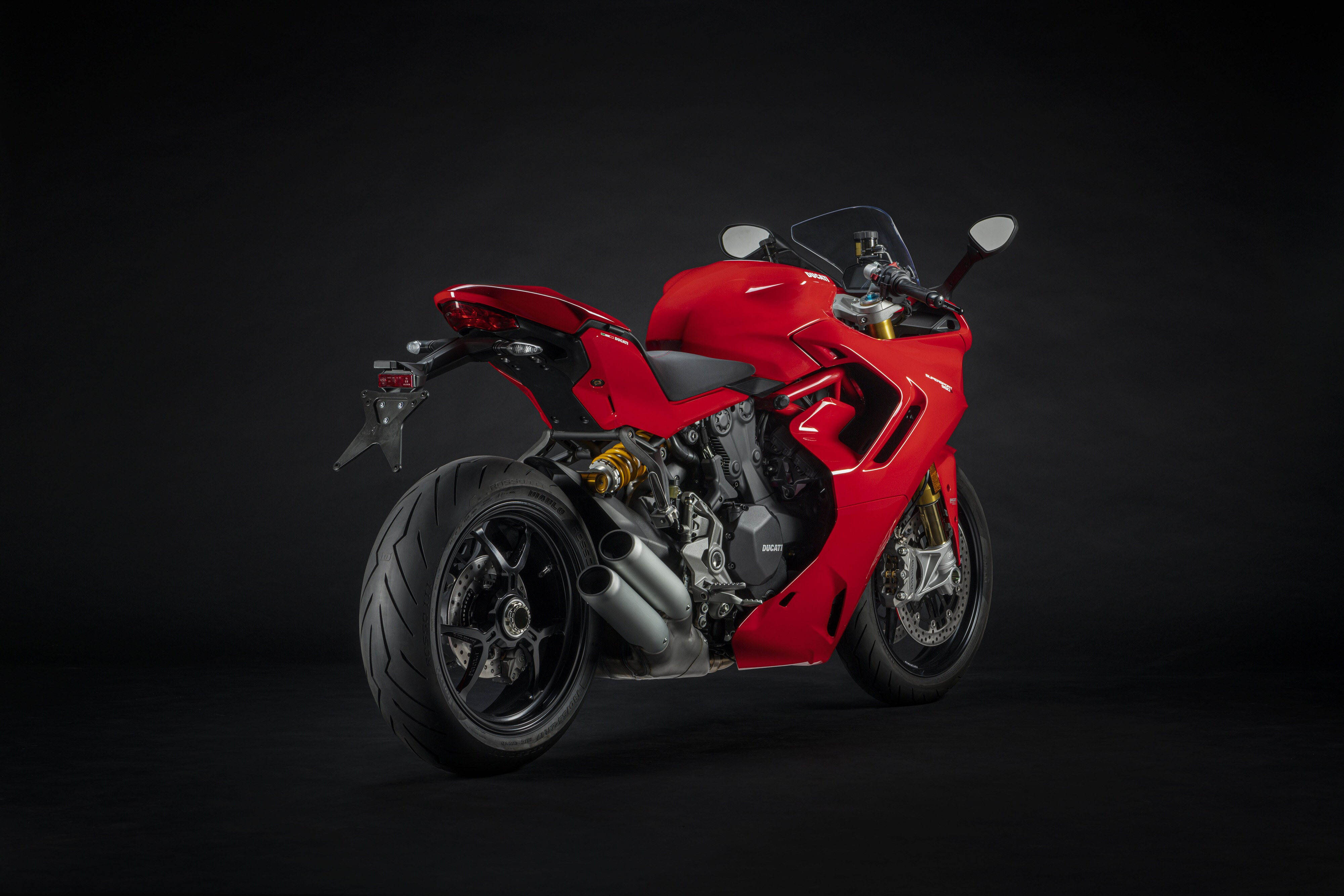 The SuperSport 950 S gets two color options namely Arctic White Silk fairing Ducati Red fairing.