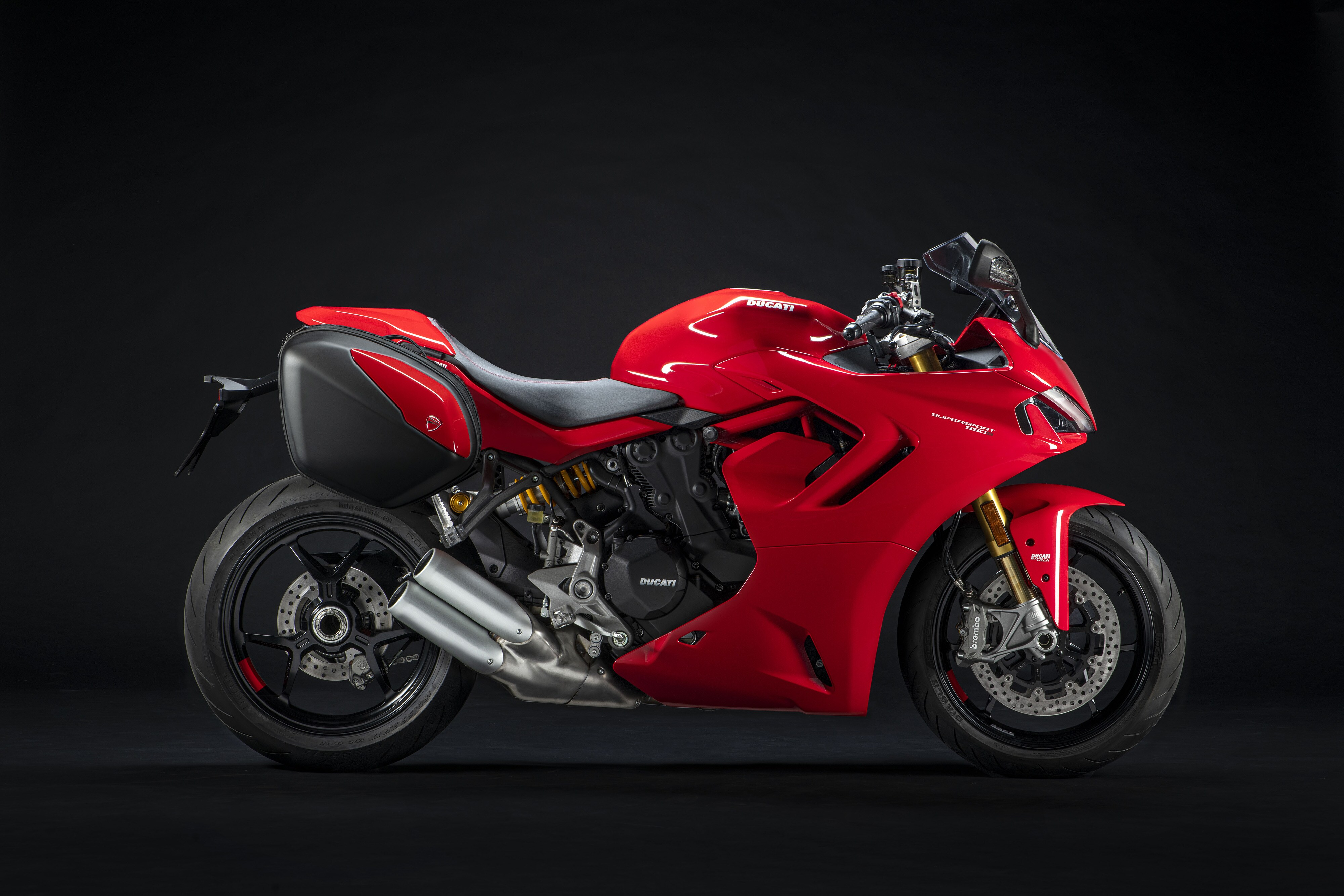 The new SuperSport 950 has been introduced in India in two variants – Standard and S.
