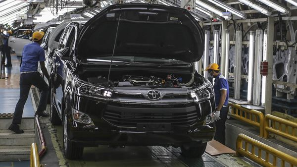 Toyota cuts production, to make 300,000 less cars this year due to chip shortage. (File photo) (Bloomberg)