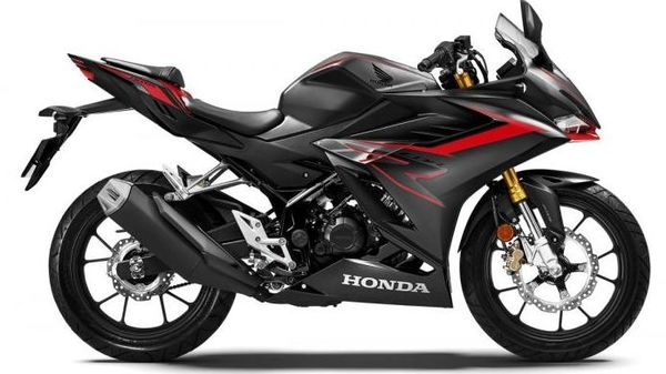 The MY21 Honda CBR150R gets a slightly tweaked exterior design that is reminiscent of CBR250RR's design.