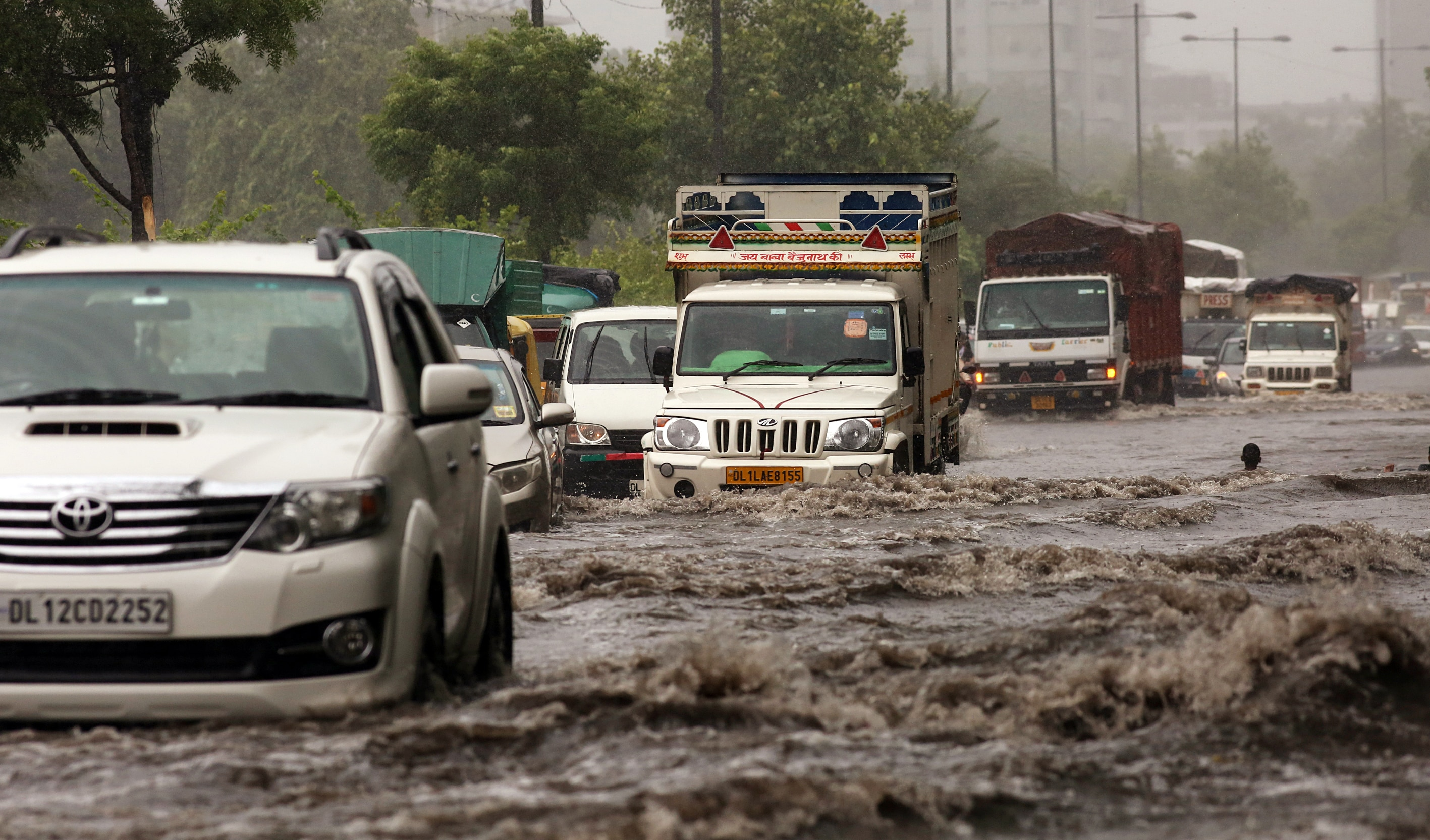 Waterlogging resulted in heavy traffic jams at busy road stretches, including ITO, Ring Road, Mukarba Chowk, Azadpur, Pul Prahladpur and Rohtak Road. (Ayush Sharma )