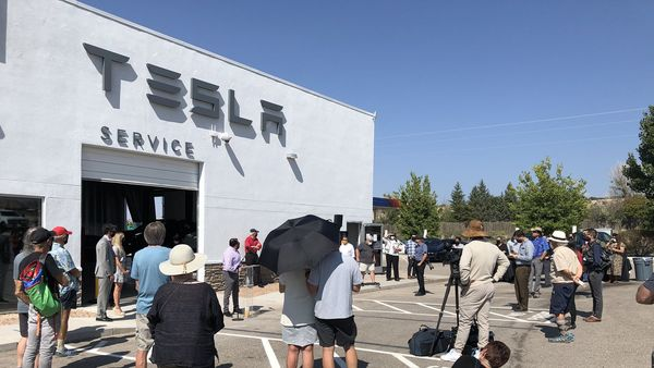 Tesla service centre in the tribal area of Nambé Pueblo, (Pic courtesy: @350NM/Twitter)
