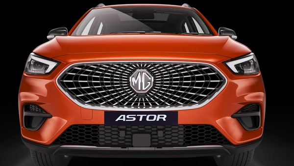 The hexagonal grille at the front that creates a unique pattern give the new Astor SUV quite a modern look.