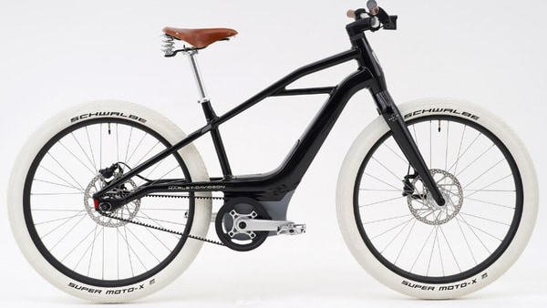 The S1 Mosh/Tribute e-bike gets glossy black paint and honey-colored leather accents.