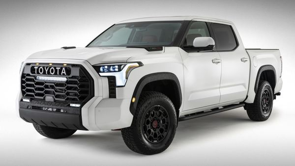 The 2022 Toyota Tundra pickup truck has made its official debut with a new powertrain, is based on a new platform and suspension setup. It will also feature a new interior and exterior and sport new technologies.